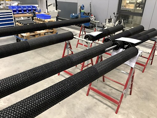 Each spreader roller according to customer requirements. 4 diameters (60-150 mm) and lengths up to 7000 mm - individually adapted and manufactured.